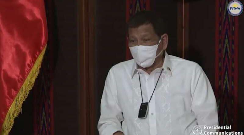 Duterte-facemask-Palace